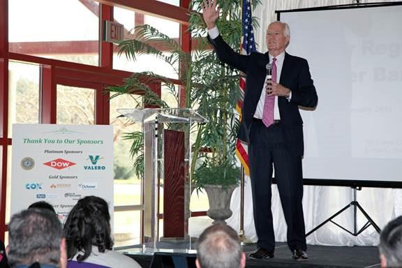 Economist Dr. Loren Scott Presents on Impact of the Port of South Louisiana at River Region Chamber of Commerce Banquet